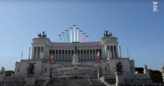 25 Aprile, la cerimonia ufficiale con il presidente Mattarella all'Altare della Patria: la corona d'alloro poi il passaggio delle Frecce Tricolori