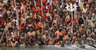 Variante indiana, i due positivi in Veneto rientrati dal pellegrinaggio del Kumbh Mela: avevano fatto abluzioni nel Gange