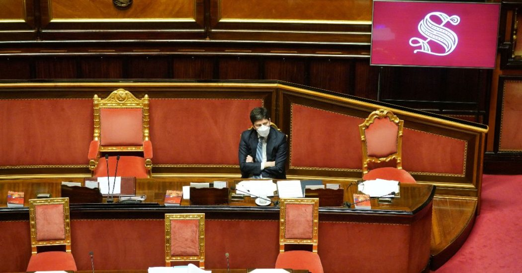 """Il Senato ha respinto la sfiducia a Speranza con 221 voti: Lega e Fi scaricano Fdi. Il ministro: """"Piano pandemico? Mancanza di 7 governi"""""""