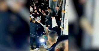 Israele, le persone scappano per non essere schiacciate: il video della fuga al raduno di ultraortodossi sul Monte Meron