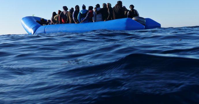 """Naufragio al largo della Libia: """"50 morti"""". Sabato 723 migranti presenti a Lampedusa: il centro già svuotato in meno di due giorni"""