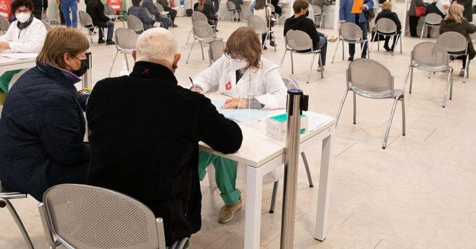 """In Friuli non ci si vaccina: non ha aderito il 40% dei 60-69enni, tra i più giovani solo 15mila prenotati. """"Il problema non sono le dosi"""""""