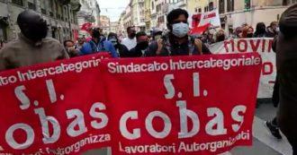 """Fedex-Tnt, i lavoratori dell'hub di Piacenza occupano per un'ora la sede del Pd a Roma: """"Ottenuto incontro con il ministro Orlando"""""""