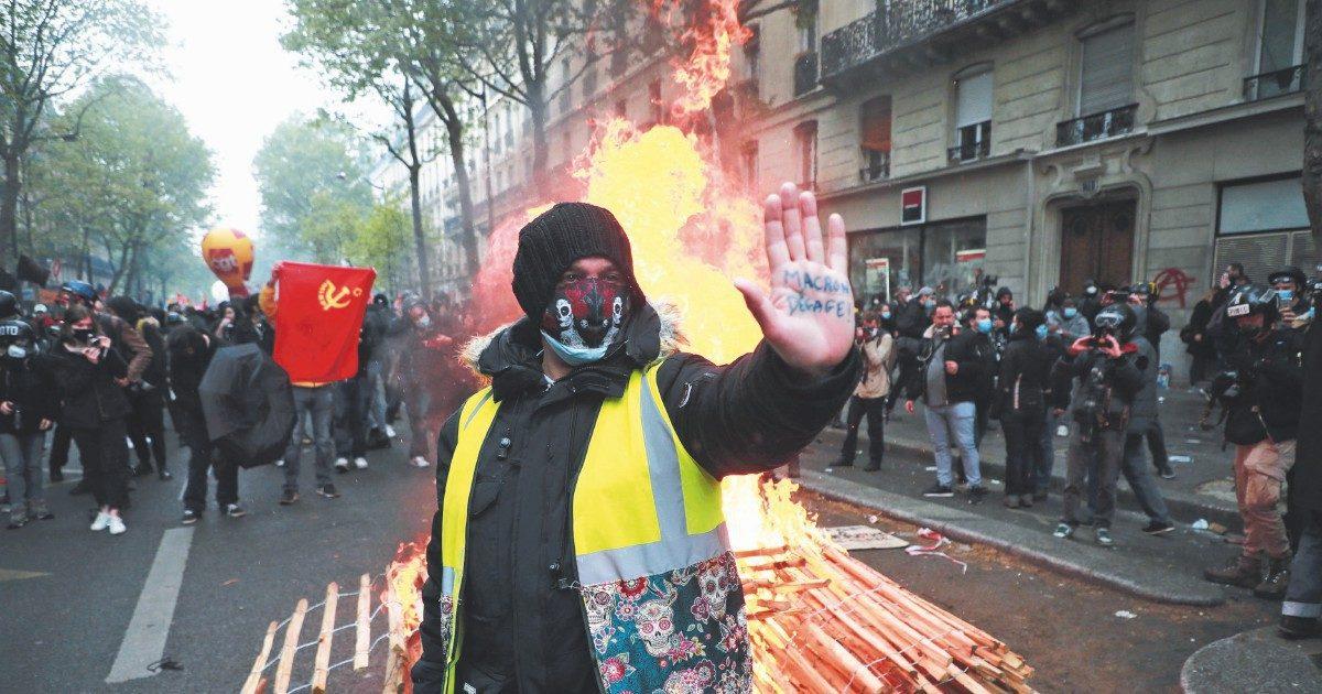 """Alla Festa del Lavoro l'imboscata di """"neri"""" e """"gialli"""" al sindacato"""