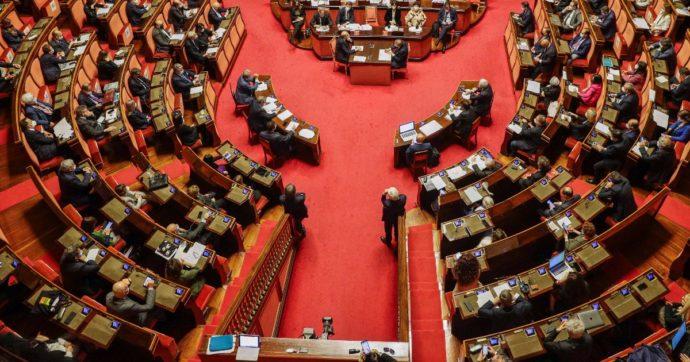 """Sostegni, via libera al Senato con la fiducia. Tolto il superbonus per aziende, protesta M5s: """"Lo ripresentiamo nel decreto bis"""""""