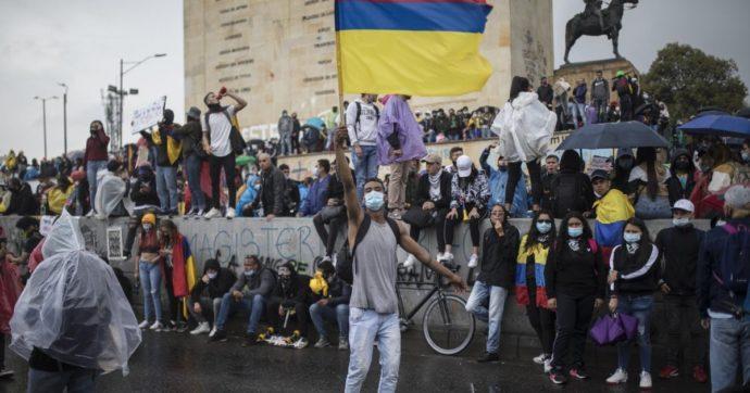 In Colombia è in corso una strage: l'effetto di un paese svenduto per anni alle multinazionali