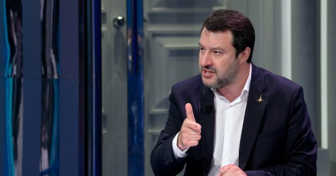 """Voli su aerei Polizia, chiesta l'archiviazione per Matteo Salvini: """"Non ci fu abuso d'ufficio"""""""