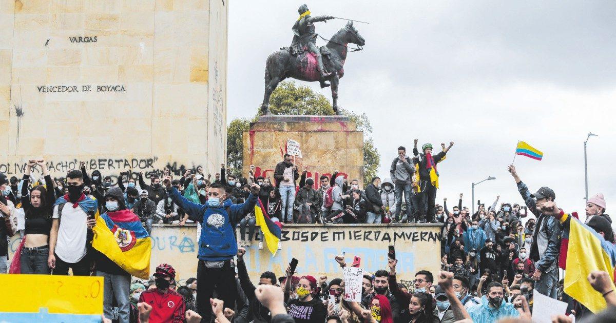 Morti e desaparecidos: giorni di fuoco a Bogotá