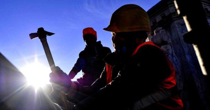 Varese, cade da un ponteggio in un centro commerciale: morto un operaio di 52 anni