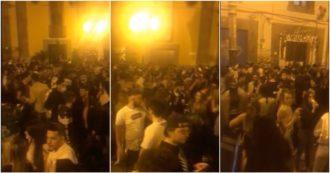 """Movida a Napoli, violato il coprifuoco e zero distanziamento. La protesta dell'Associazione Fieristi Italiana nel centro storico: """"Libertà"""""""