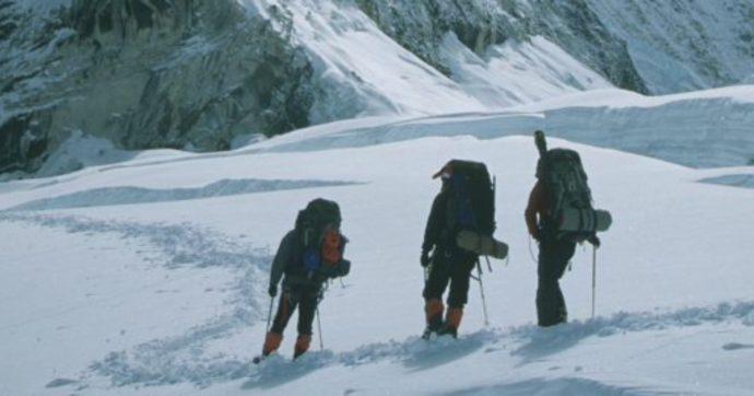 L'alpinismo himalayano ormai è uno spettacolo sempre più desolante