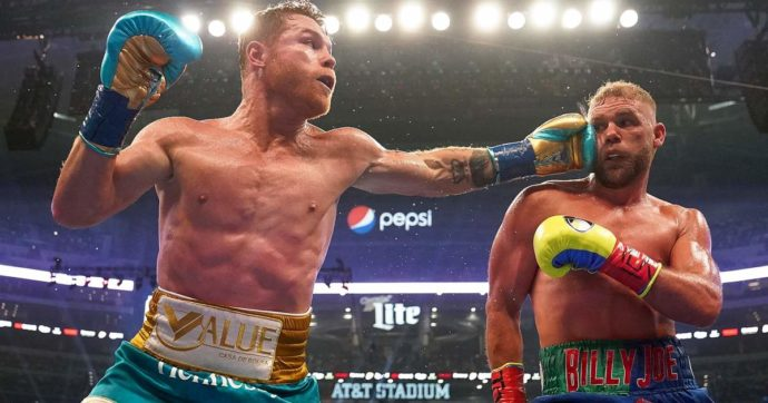 Saul 'Canelo' Alvarez riunisce le cinture dei super medi davanti a 70mila spettatori: KO tecnico all'ottavo round per BJ Saunders