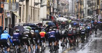 Giro a ruota libera – Gli Appennini infidi dividono la corsa in due: c'è già sparpaglio in classifica