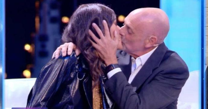 """Paolo Brosio e la 22enne Marialaura De Vitis: è finita. Lei si sfoga sui social: """"Eravamo una coppia vera"""""""