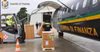 Covid, nuovo carico di aiuti diretto in India: il materiale sanitario vola a bordo dell'aereo della Guardia di finanza – Video
