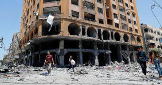Gaza, razzi e bombe. Tel Aviv abbatte un altro palazzo di 10 piani sede anche delle redazioni di media locali. Bambino israeliano di 6 anni ucciso da un missile a Sderot