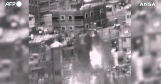 Israele, così i razzi dell'esercito abbattono i palazzi di Gaza: i video dei bombardamenti