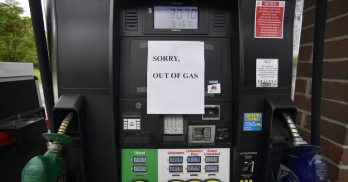 Usa, distributori a secco a causa del blocco del principale oleodotto del paese. Prezzo benzina ai massimi da 6 anni