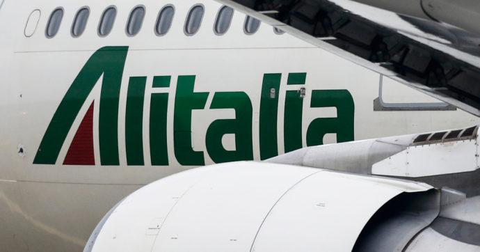 """Alitalia continua a vendere biglietti per date successive al 15 ottobre. Ma Ita avverte: """"Non ci sono posti riservati per chi li compra"""""""