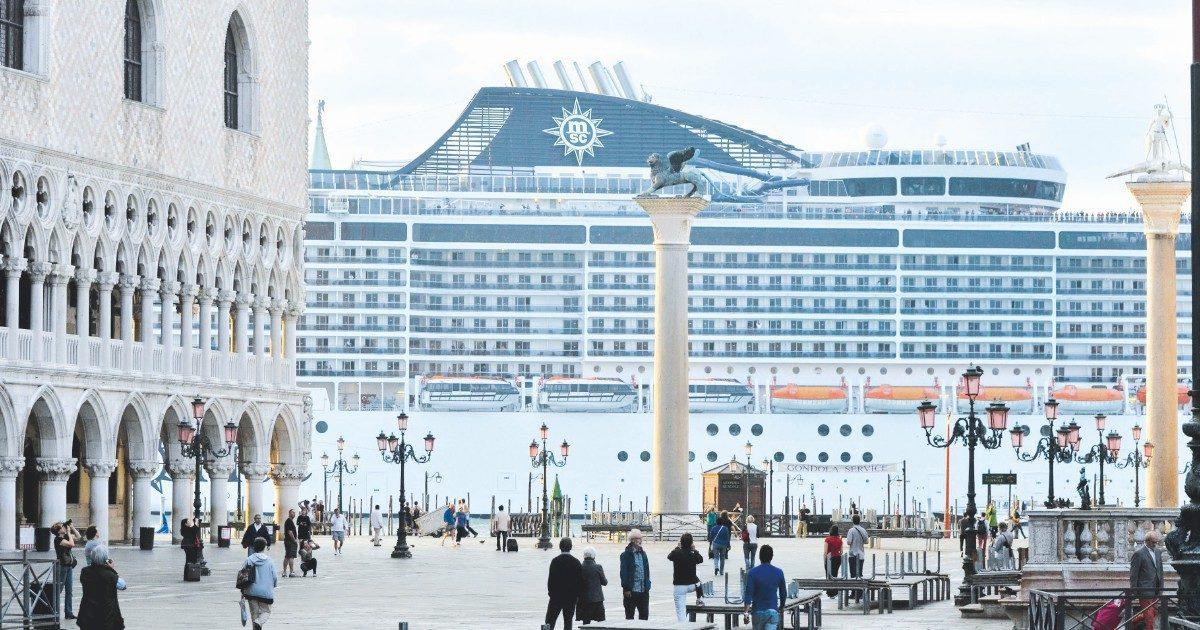 Grandi navi fuori da Venezia, il decreto c'è. Manca l'accordo politico su come attuarlo