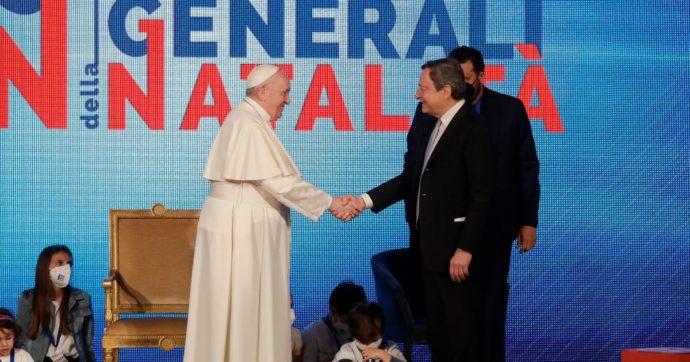 """Il Papa agli Stati generali della natalità parla dopo Draghi e """"benedice"""" l'assegno unico: """"Politiche familiari siano lungimiranti"""""""