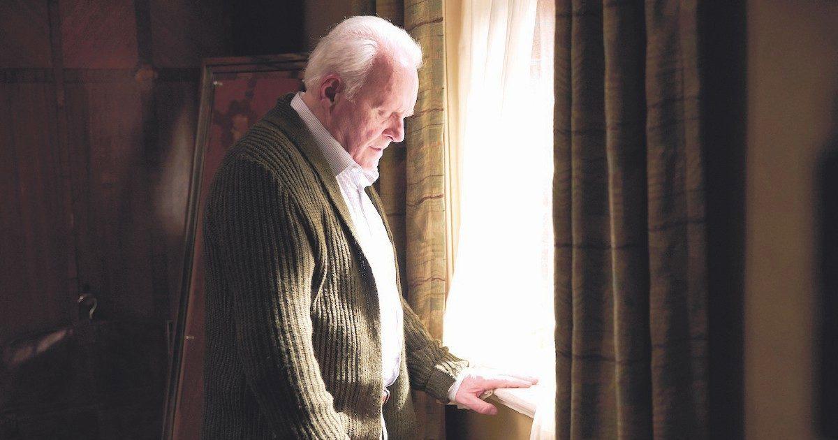 """Con """"The Father"""" si entra nella testa di Mr. Hopkins"""