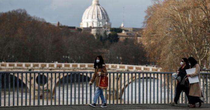 Roma, 31enne precipita dal muretto di Ponte Garibaldi mentre scatta una foto: è gravissimo
