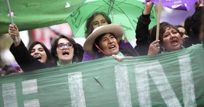 Argentina, le donne indigene marciano contro il 'terricidio' e il continuo attacco ai corpi-territorio