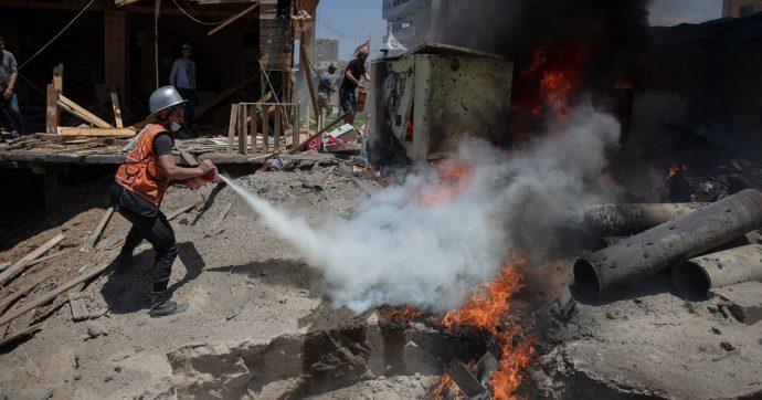 """""""Tregua tra Hamas e Israele entro due giorni"""". Ma Netanyahu smentisce le fonti diplomatiche: """"Continuare a colpire"""". 221 morti palestinesi"""