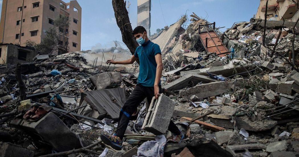 Scontri Tel Aviv-Gaza: Israele abbatte l'unico laboratorio Covid della Striscia. Borrell: 'Priorità Ue è cessate il fuoco'. Di Maio: 'Risposta sia proporzionata'