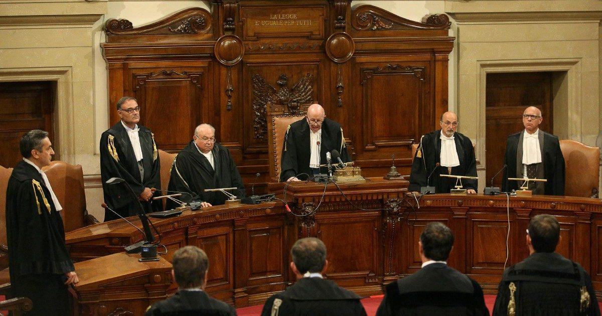"""Audio del giudice, il """"Giornale"""" subito in soccorso dell'ex premier"""