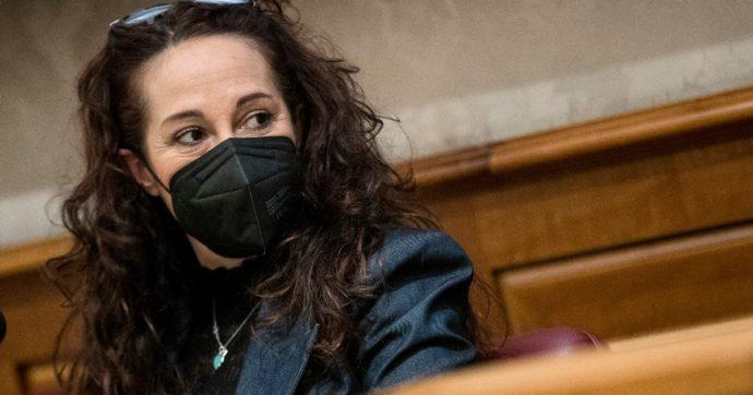 """Vitalizio a Formigoni, M5s chiede discussione al Senato. Taverna: """"Ci hanno detto no"""". Pd: """"Casellati convochi consiglio di presidenza"""""""