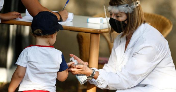 Centri estivi, le linee guida: mascherine obbligatorie per operatori e bambini sopra i sei anni e spazi per la quarantena