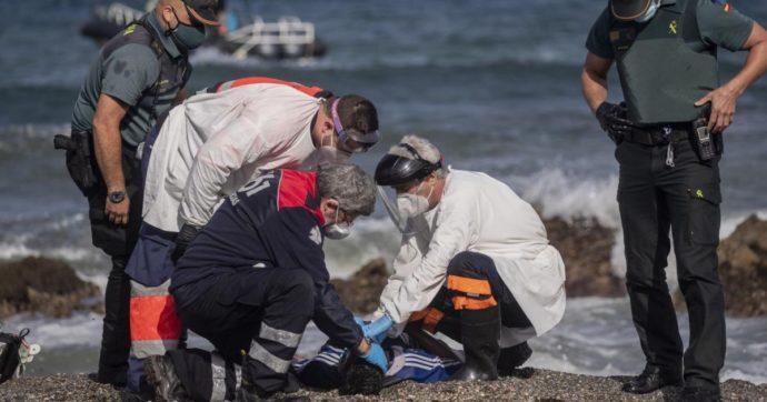 """Crisi di Ceuta, i racconti delle associazioni impegnate alla frontiera: """"In tanti respinti senza neppure verificare la richiesta d'asilo"""""""