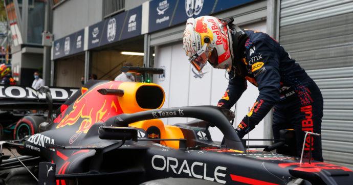 Formula 1, Max Verstappen vince il Gran Premio di Montecarlo e vola in testa al mondiale. Seconda la Ferrari di Carlos Sainz