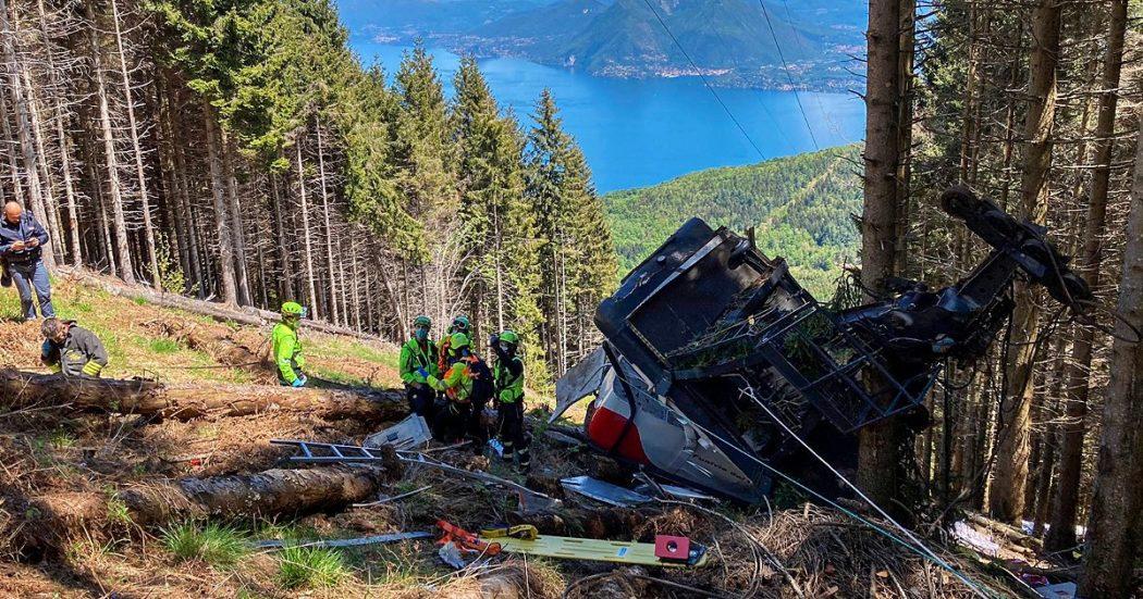 """Si stacca cabina della funivia tra Stresa e il Mottarone: """"14 vittime. Un bambino ferito gravemente. Si è sganciato il cavo dell'impianto"""""""
