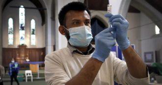 """Covid, lo studio inglese: """"I vaccini Pfizer e Astrazeneca altamente efficaci contro la variante indiana dopo due dosi"""""""