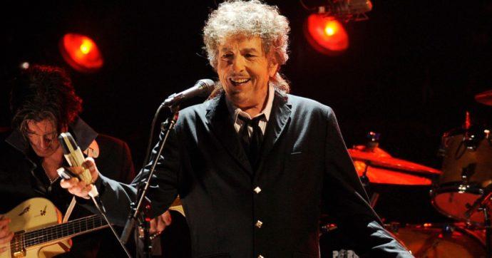 """Bob Dylan citato in giudizio da una donna: """"Nel 1965 abusò di me quando  avevo 12 anni"""". Lui nega tutto - Il Fatto Quotidiano"""