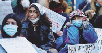 Scuola, protesta sindacati per l'anticipo degli scrutini