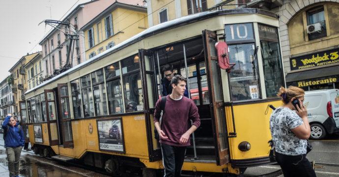 """Milano, l'azienda di trasporto pubblico non trova autisti: """"Trasferirsi in città costa troppo"""". Lo stipendio d'entrata? Appena 1.100 euro"""
