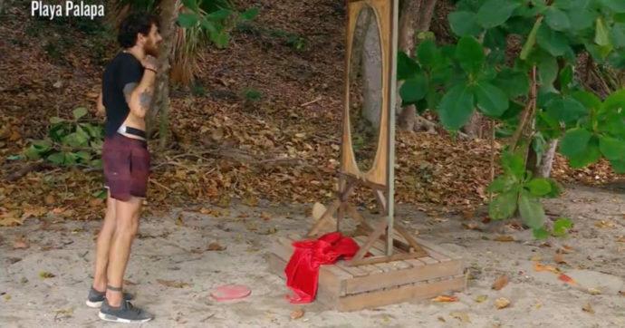 Isola dei Famosi, Andrea Cerioli si rivede allo specchio dopo 2 mesi e reagisce così