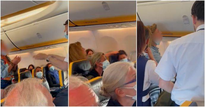 """Lite sul volo Ryanair Ibiza-Bergamo, Antonella Clerici: """"Spero di non vedere quella donna in tv"""". La rabbia dei vip"""