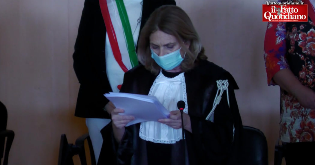 Ex-Ilva, maxi-condanne nel processo Ambiente Svenduto: il momento della lettura della sentenza – video