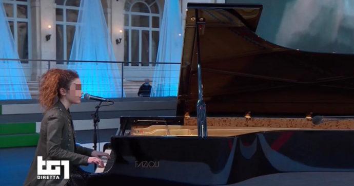 Frida Bollani Magoni si esibisce al Quirinale e incanta tutti con le note di Franco Battiato e Lucio Dalla. Ecco chi è