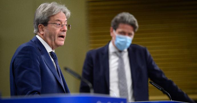 """Il blocco dei licenziamenti non piace a Bruxelles: """"Inutile e controproducente"""". Confindustria e Agnelli festeggiano"""