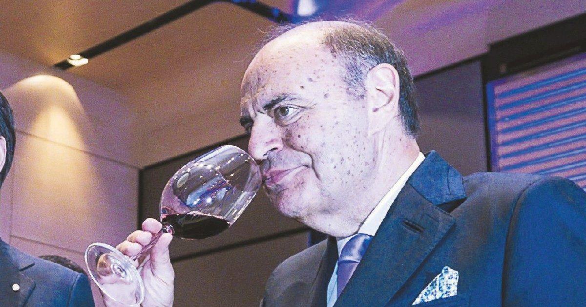 """Bruno Vespa si dà all'alberghiero: arriva """"S. Chiara"""""""