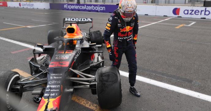 Formula 1, a Baku Verstappen va a sbattere a tre giri dal termine, Hamilton dritto in curva dopo la ripartenza: vince Perez su Red Bull