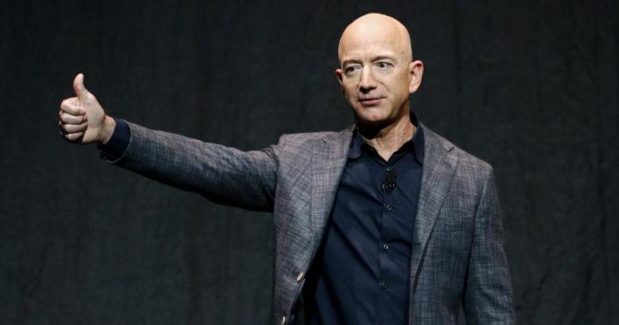"""Tasse sulle multinazionali, per Amazon potrebbe non cambiare nulla o quasi. Le nuove regole """"graziano"""" il colosso di Bezos"""