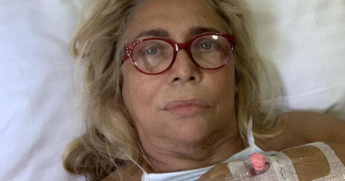 """Paura per Mara Venier, dal letto di ospedale scrive: """"Ho perso totalmente la sensibilità di parte del viso"""""""