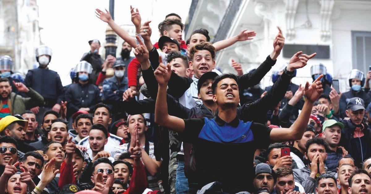 Algeria, la democrazia per finta: i soliti noti favoriti alle elezioni